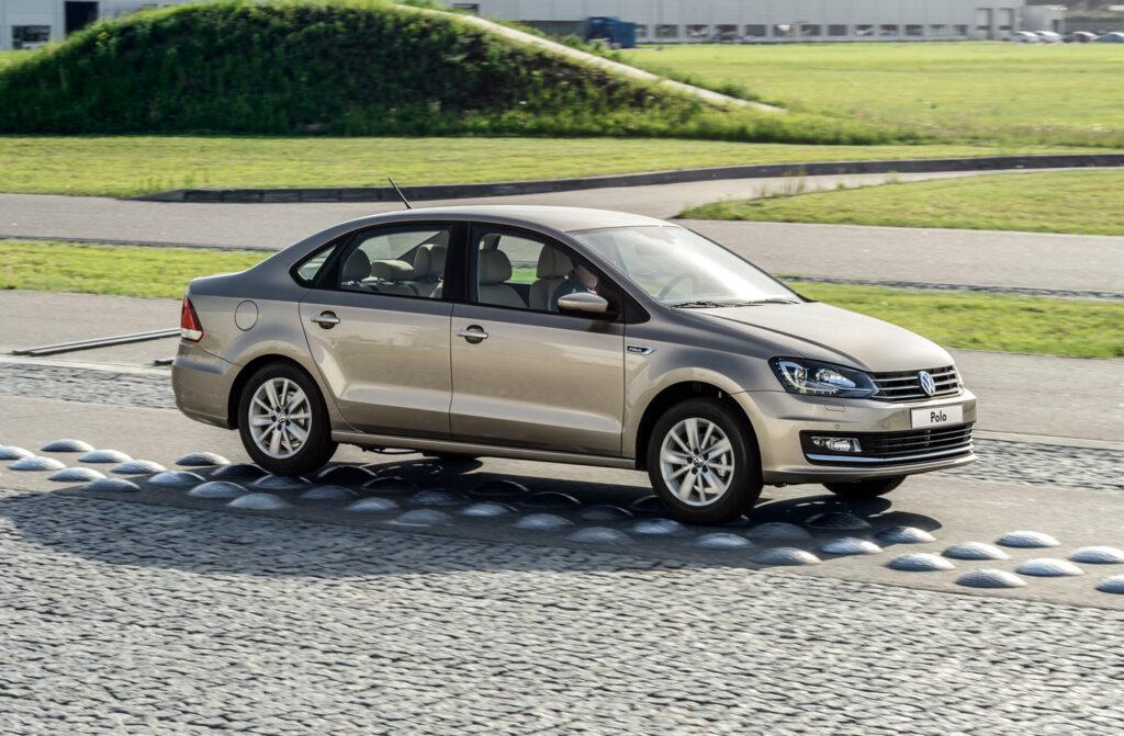 Компания Volkswagen отзывает в России тысячу Polo
